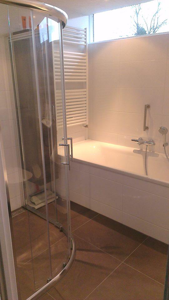 badkamer-verbouwing-douchekabine